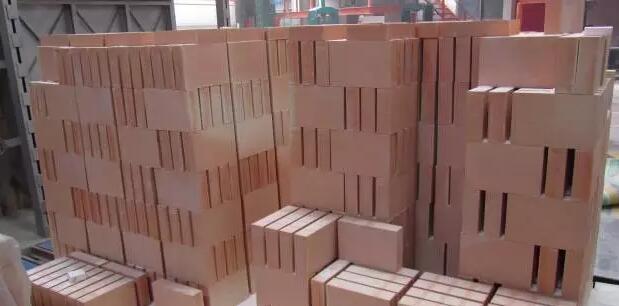 电熔再烧结锆英石砖